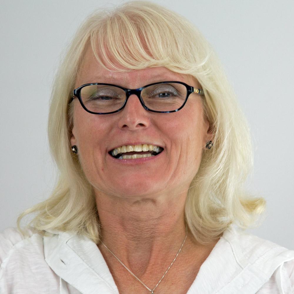 Janet Holmes :