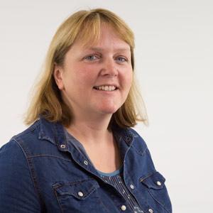 Fiona Mayne :