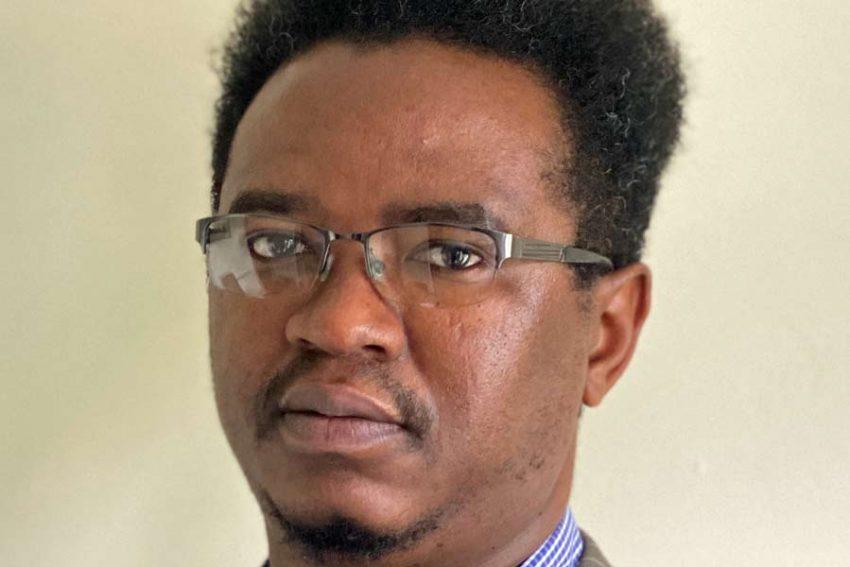 Portrait photo of Harvey Kwiyani