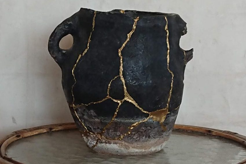 Rural cooking pot repaired with Kintsugi technique, which Finlay Wood uses as a metaphor for restorative justice. Photo: Guggger [CC BY-SA 4.0], via Wikimedia Commons