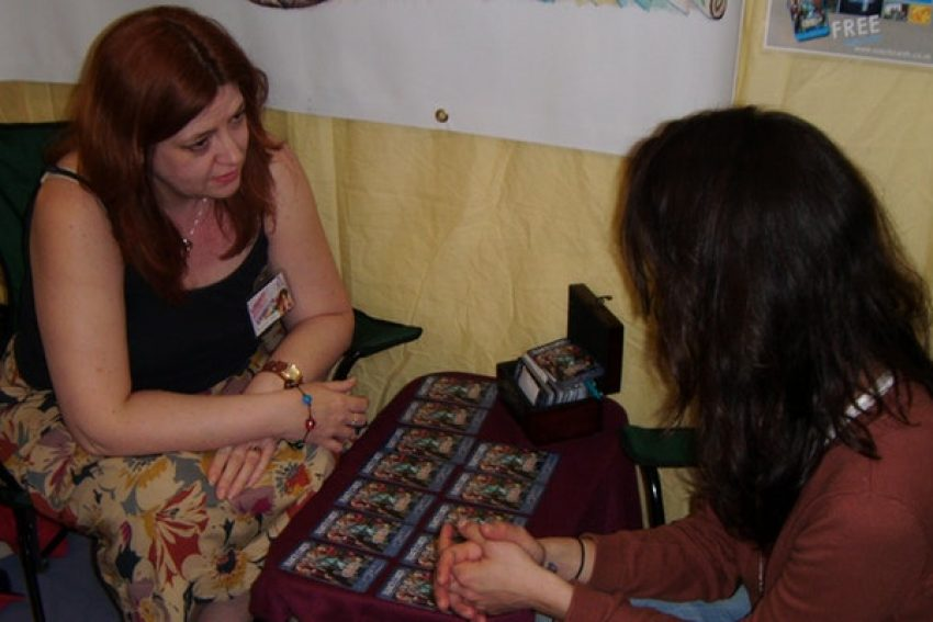 Ruach-card-reading-Andrea