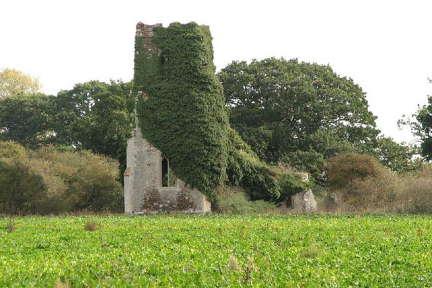 Evelyn Simak/The ruined church of St Felix, via Wikimedia Commons
