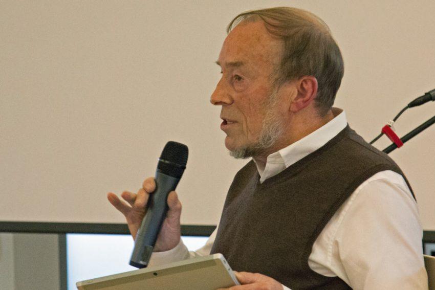John Drane teaching the Bible in Context module